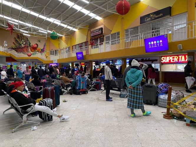 Interior Estacion Ipiales Ecuador Colombia