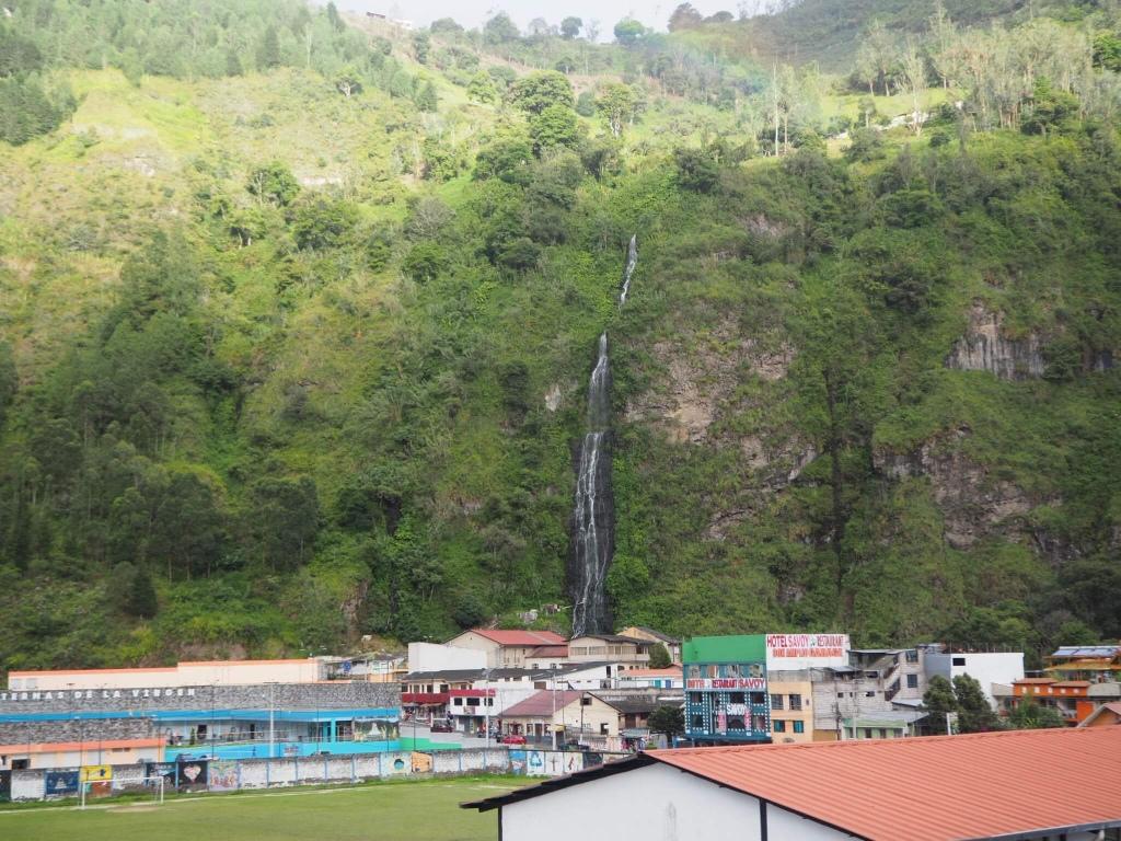 Cascada Cabellera de la Virgen, baños Ecuador