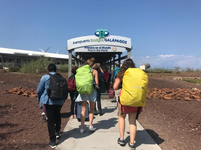 Llegada al aeropuerto de Baltra, Galápagos por tu cuenta