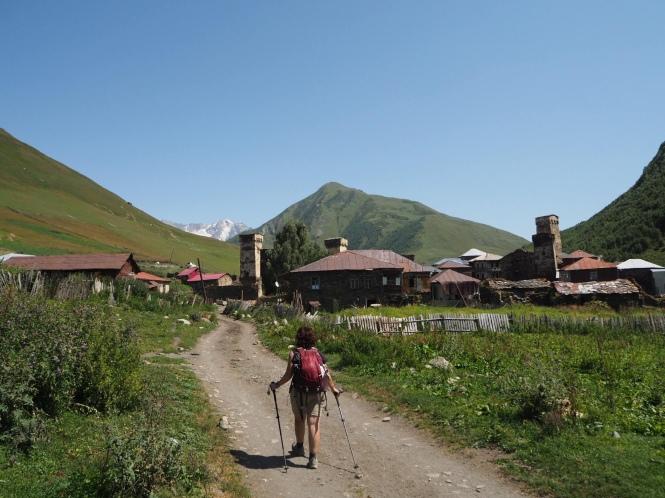 Llegada a ushguli en el trekking Mestia a Ushguli