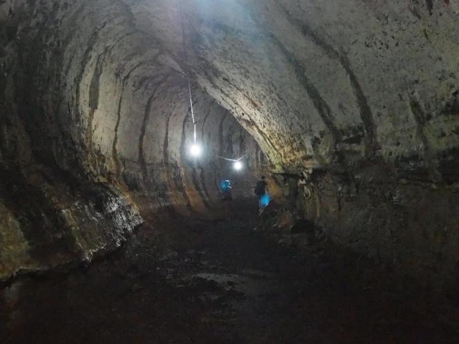 Túneles de lava Galápagos por tu cuenta