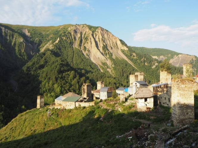 Vistas de Adishi en el trekking Mestia a Ushguli