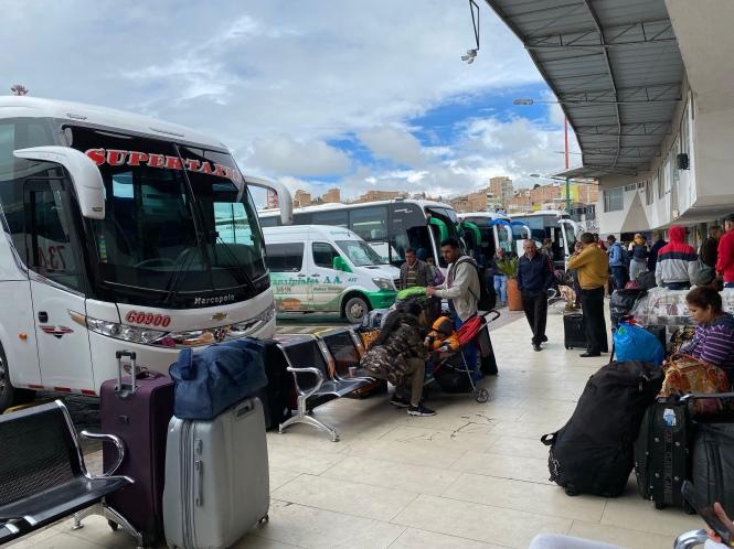 Estación Ipiales cruzar frontera Ecuador Colombia